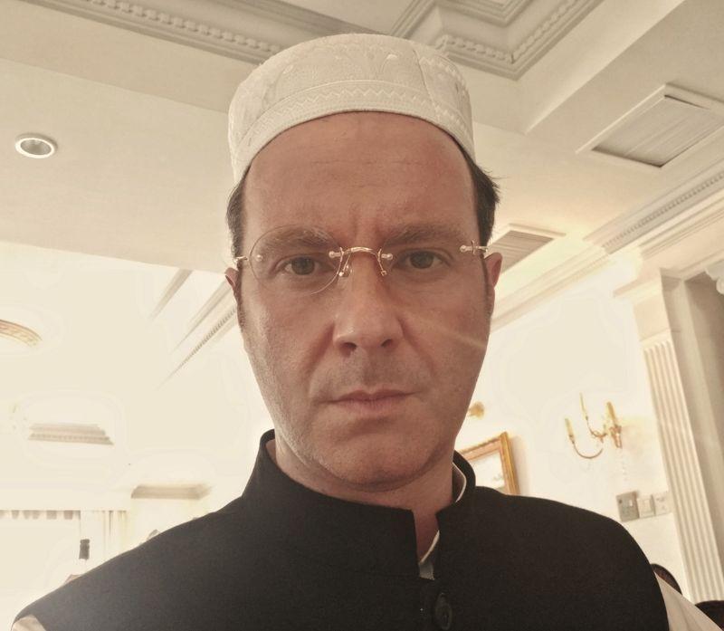 Frédéric RAPOSO dans le rôle du premier ministre Pakistanais